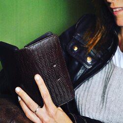 Leather design...   #luxurycases #pielframa #lifestyle #luxuryleathercase #luxurycases #iphonecases #handmade #leathergoods #leathergoodsmanufacture #ubriqueleather #ubrique #pieldeubrique